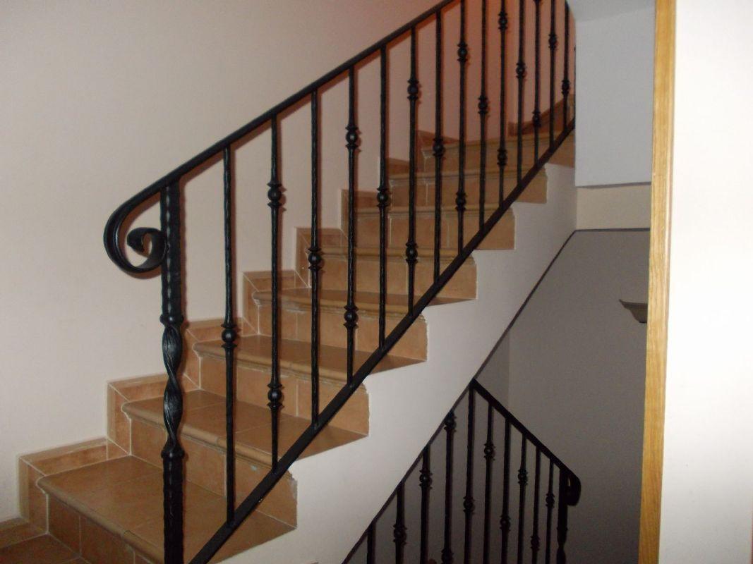 Trabajos de cerrajer a cerraduras barandillas aluminio - Barandas de forja para escaleras ...